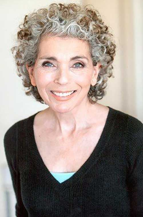 Short Hairstyles for Curly Hair Over 50-12