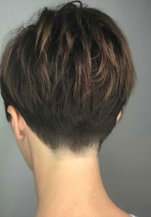 Short Haircuts for Fine Wavy Hair-12