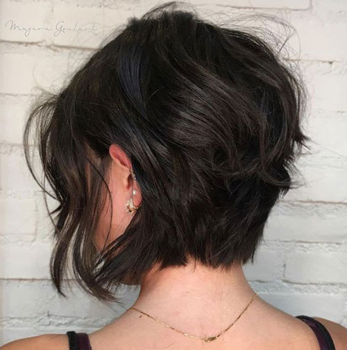 Short Layered Hairstyles for Thick Hair-15
