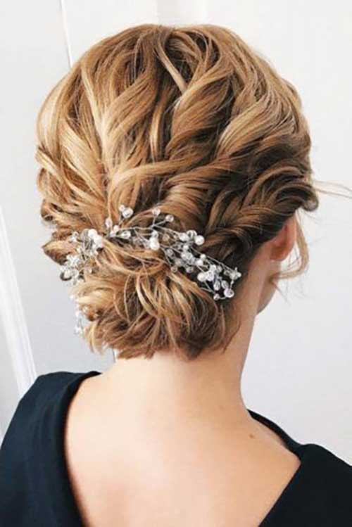 Christmas Party Hairstyles for Short Hair-16