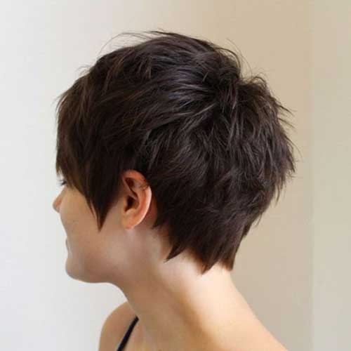 Short Layered Hairstyles for Thick Hair-17