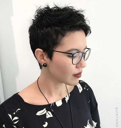 Short Haircuts for Fine Wavy Hair