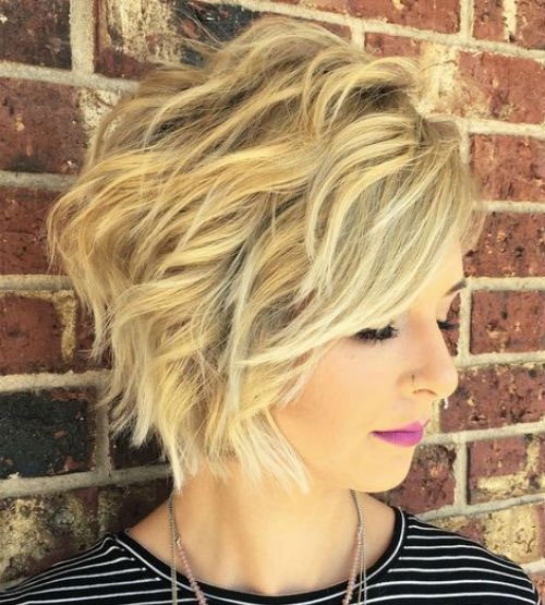 Haircut for Short Wavy Hair Female-14