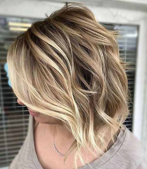 Haircut for Short Wavy Hair Female-15