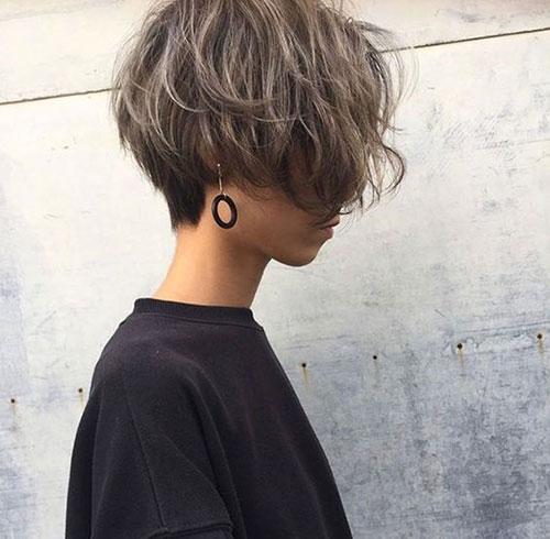 Haircut for Short Wavy Hair Female-17