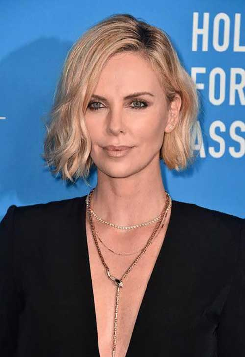Charlize Theron Short Hairstyles-19