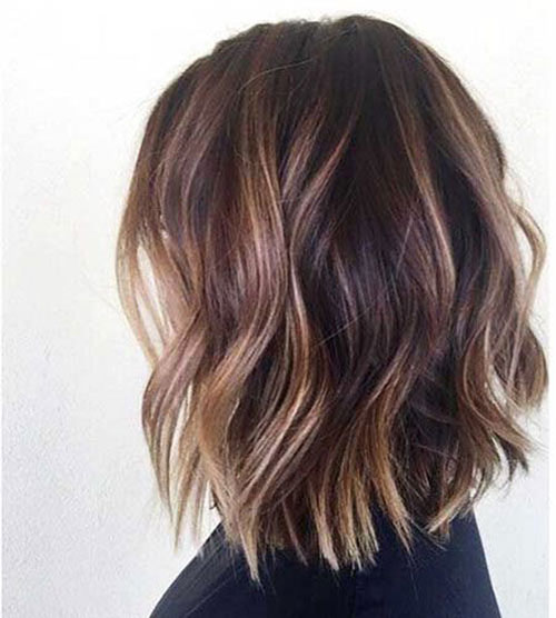 Haircut for Short Wavy Hair Female-19