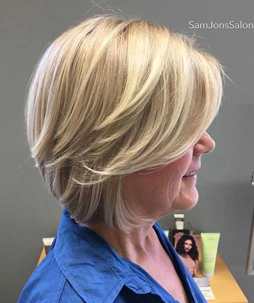 Short Haircuts for Women Over 50-23