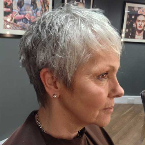Short Haircuts for Older Women with Thin Hair
