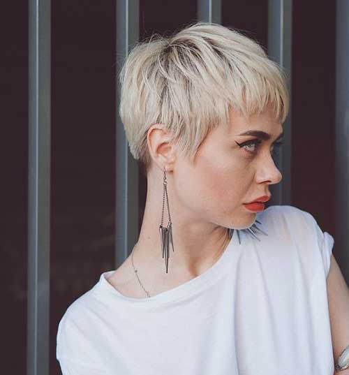 Bowl Pixie Haircuts for Women-11