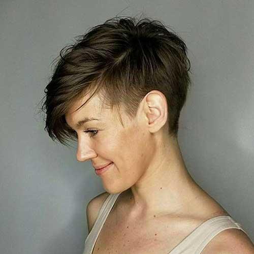Asymmetrical Pixie Haircuts for Women-12
