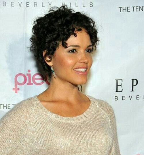 Modern Short Natural Curly Hairstyles-12