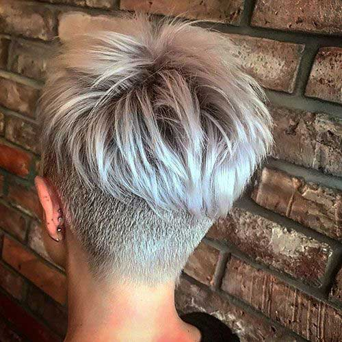 Short Nape Pixie Haircuts for Women-15