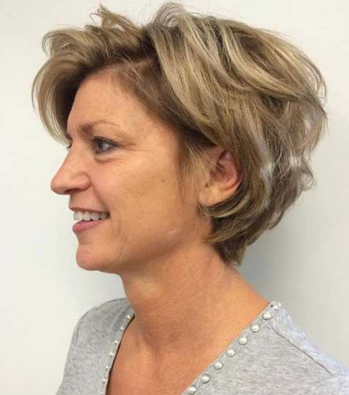 Short Medium Layered Haircuts-17
