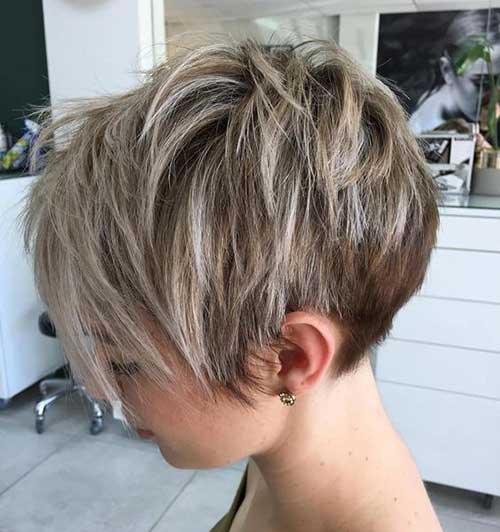 Short Medium Layered Haircuts-21