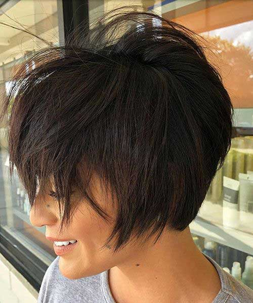 Short Medium Layered Brown Haircuts-9